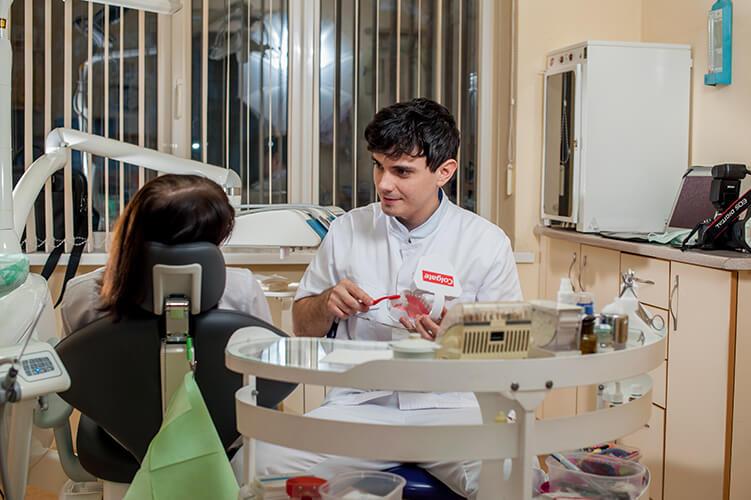 Демиденко Дмитрий - врач стоматолог-терапевт, стоматология Альфа
