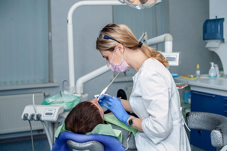 Гриб Елена - специалист по эндодонтическому лечению и отбеливанию зубов, стоматология Альфа