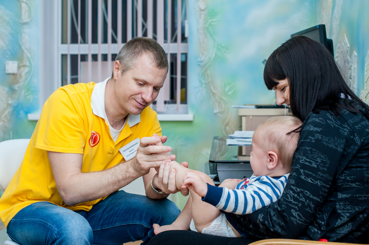 Щёкин Александр - детский ортопетравматолог, детский мед.центр Гамма+