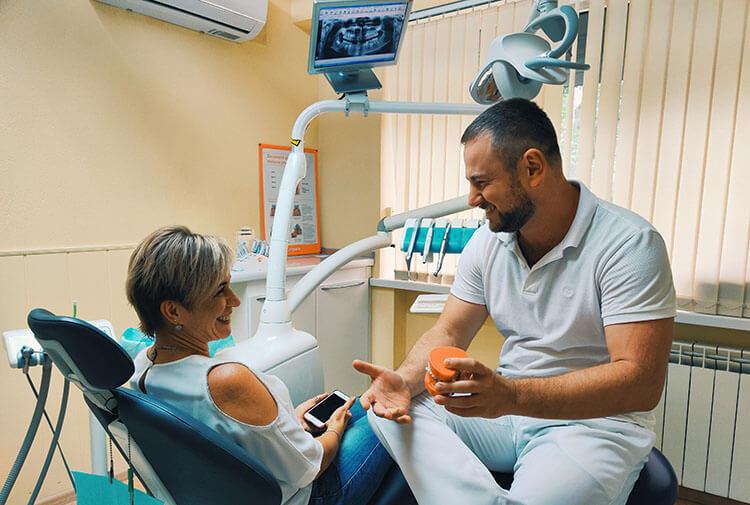 Головко Евгений Сергеевич - врач стоматолог-ортодонт, стоматологическая клиника Альфа